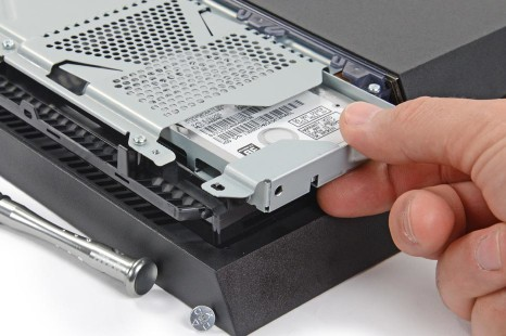 Changer le disque dur interne de sa PS4